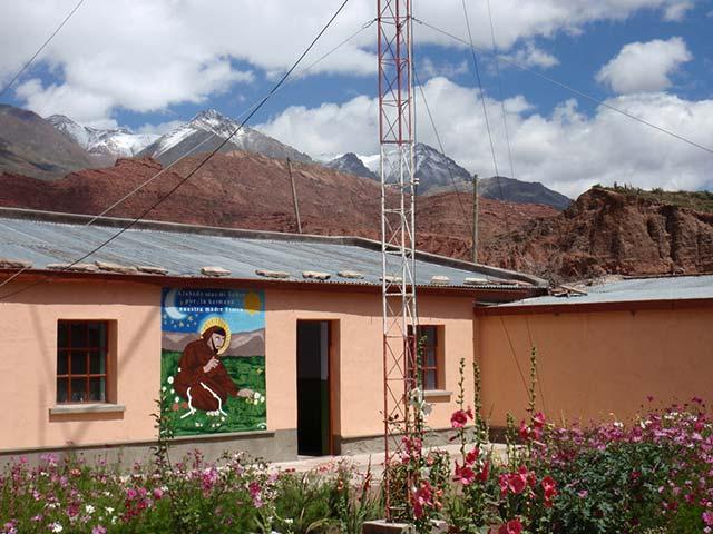QTH meines Funkfreundes Dietmar CP4PG im Hintergrund die Schneeberge der Anden